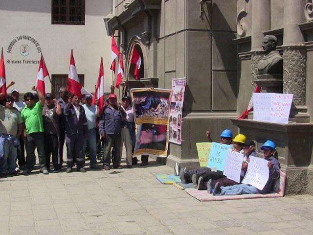 Obreros de Shougang Hierro Perú en Huelga de Hambre