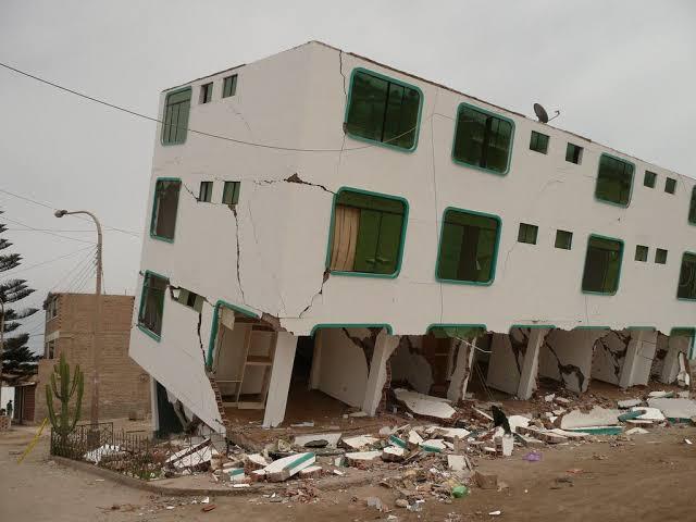 Terremoto de Pisco Hotel Hostal Desplomado